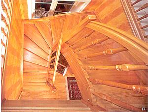 halbgewendelte treppe architektenh user halbgewendelte. Black Bedroom Furniture Sets. Home Design Ideas